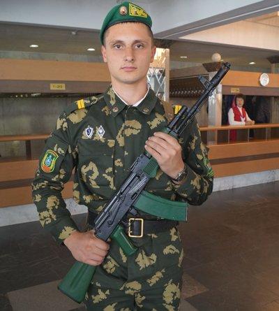 В Гродненской погрангруппе хранятся именные автоматы Калашникова (Фото), фото-1