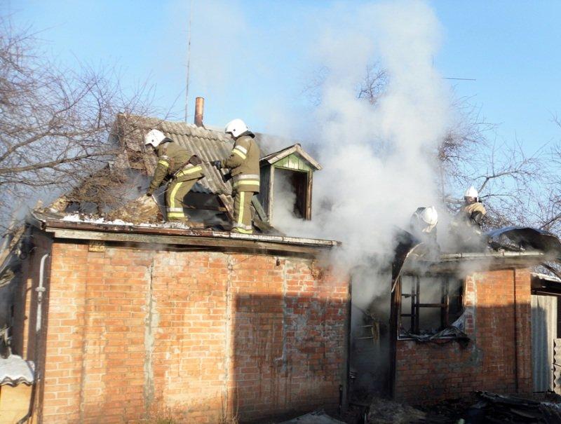 Вогнеборці ліквідували пожежу у приватному житловому будинку (ФОТО, ВІДЕО) (фото) - фото 2