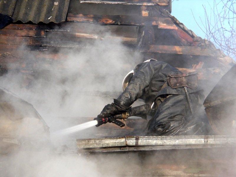 Вогнеборці ліквідували пожежу у приватному житловому будинку (ФОТО, ВІДЕО) (фото) - фото 1