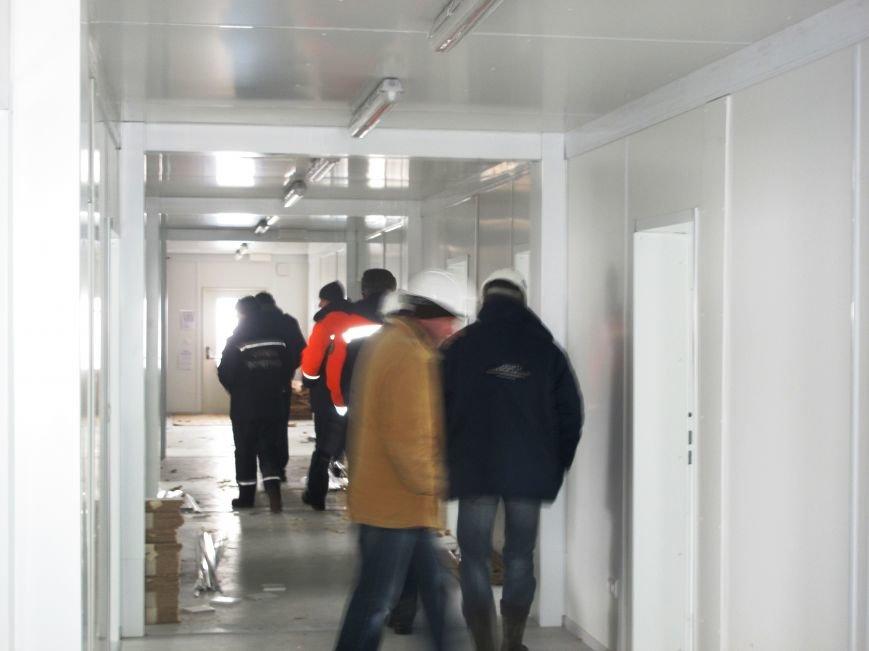 В Запорожье спасатели проинспектировали строительство мобильного городка для переселенцев (ФОТО) (фото) - фото 4