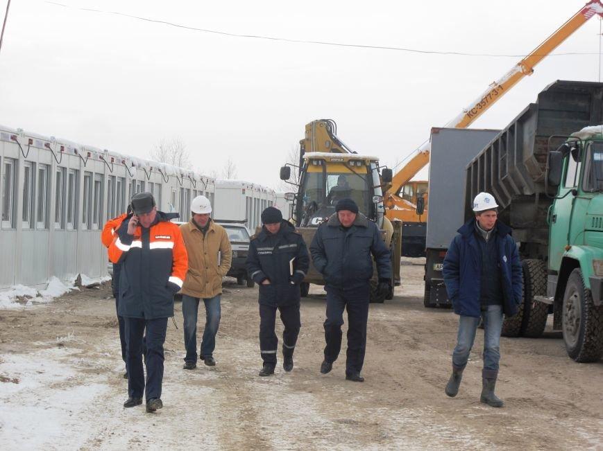 В Запорожье спасатели проинспектировали строительство мобильного городка для переселенцев (ФОТО) (фото) - фото 3
