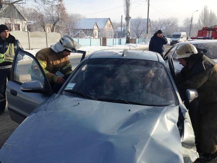 ДТП в Днепродзержинске - водитель легковушки «Daewoo» не справился с управлением и выехал на встречную полосу (фото) - фото 1