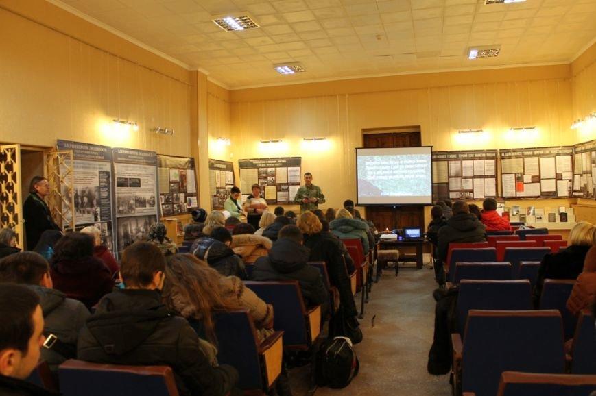 Служба безопасности Украины презентовала в Артемовске выставку, посвященную Голодомору 32-33 годов, фото-4