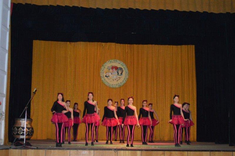 Вихованці чернівецьких шкіл-інтернатів дали концерт до Дня інвалідів (фото) - фото 1