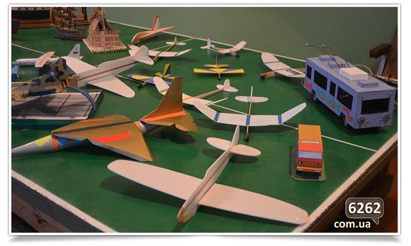 В Станции Юных техников проходит выставка, посвящённая Дню Защитника отечества. (фото) - фото 2