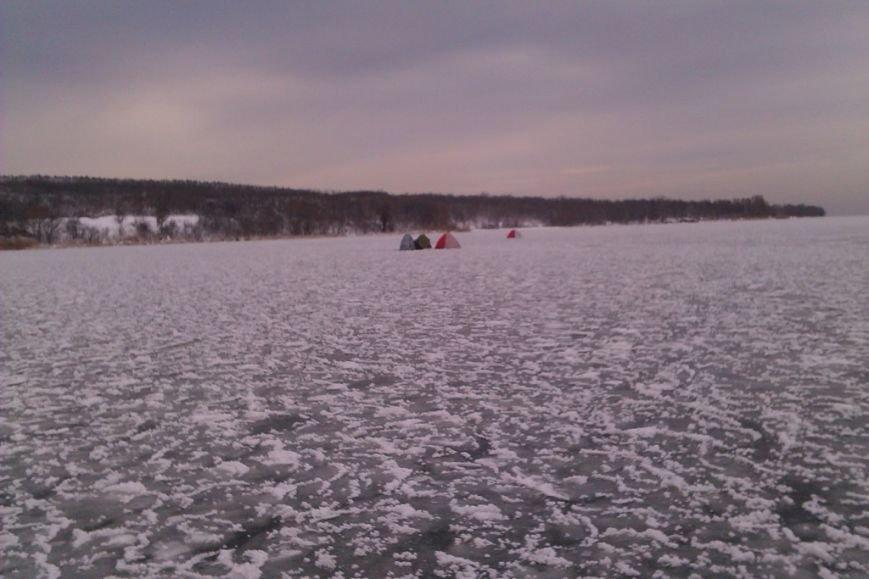 Запорожские спасатели напомнили любителям зимней рыбалки об опасностях нахождения на льду (ФОТО), фото-2