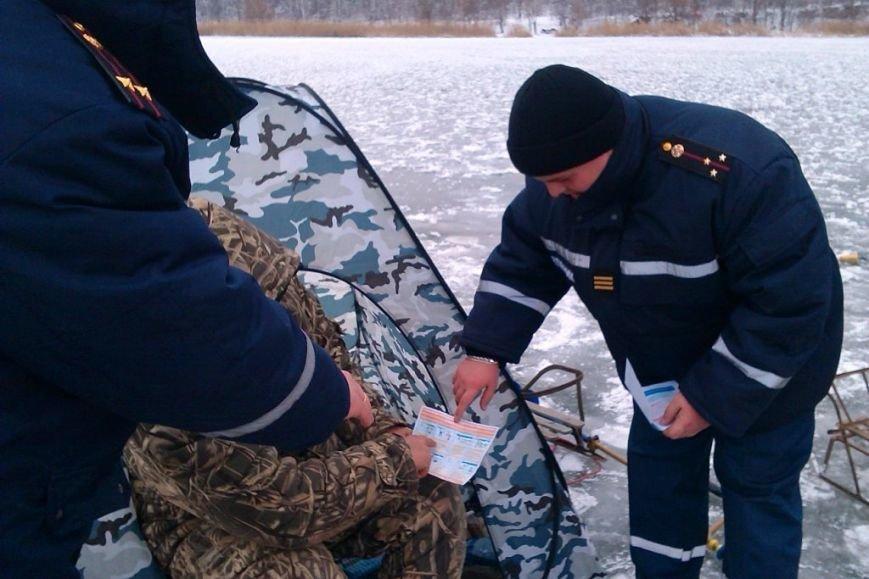 Запорожские спасатели напомнили любителям зимней рыбалки об опасностях нахождения на льду (ФОТО), фото-4