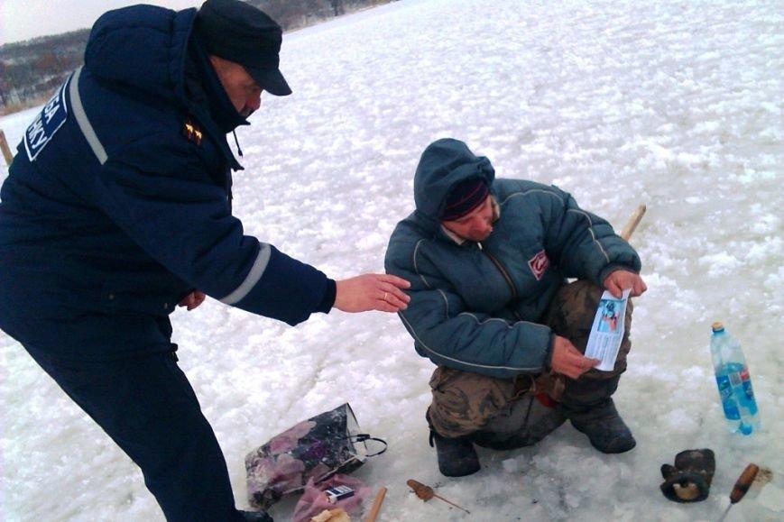 Запорожские спасатели напомнили любителям зимней рыбалки об опасностях нахождения на льду (ФОТО), фото-5