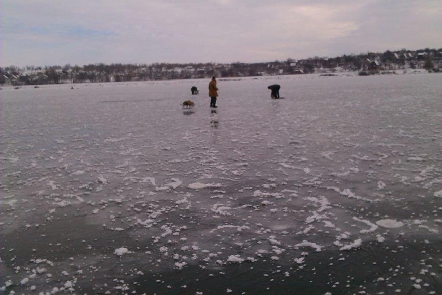 Запорожские спасатели напомнили любителям зимней рыбалки об опасностях нахождения на льду (ФОТО), фото-1