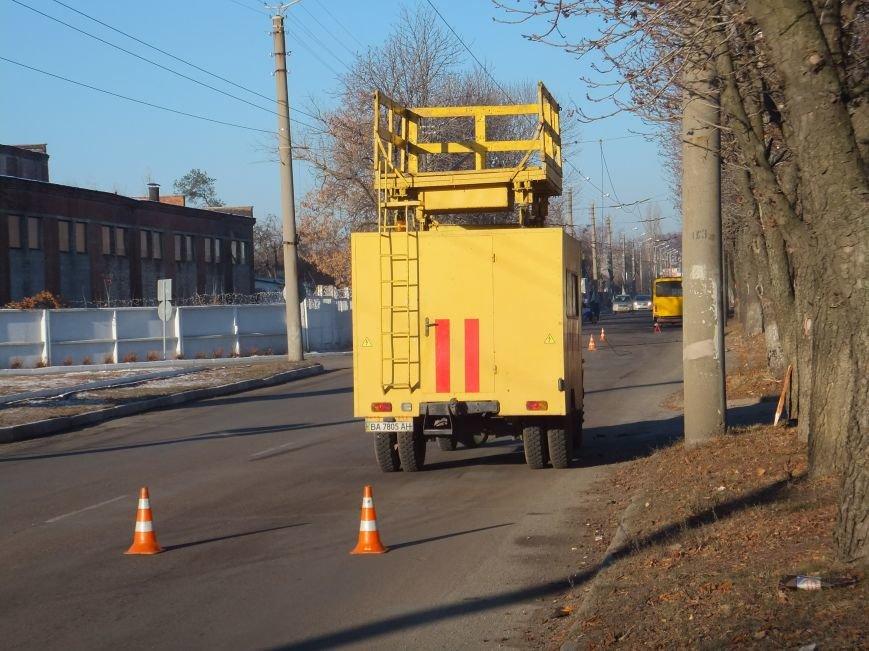 В Кировограде произошло необычное ДТП с участием троллейбуса и маршрутки (фото) (фото) - фото 1