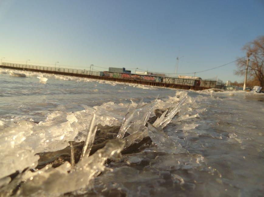 Больше трех не собираться, - предупредили спасатели мариупольских рыбаков (ФОТОРЕПОРТАЖ) (фото) - фото 1