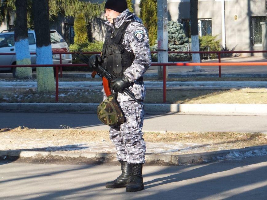 В Кировограде заминировали здание Кировоградоблэнерго (фото) (фото) - фото 1