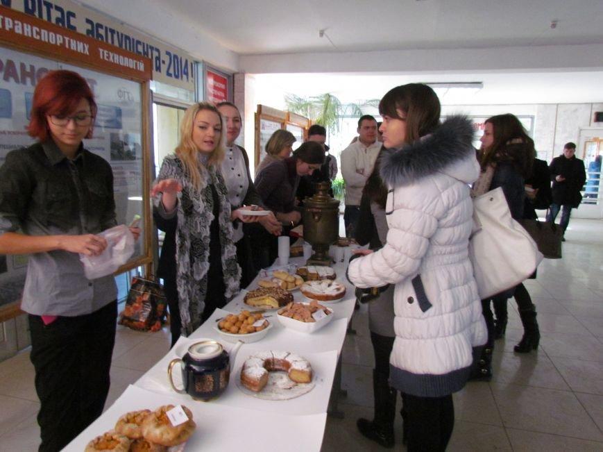 Студенты ПГТУ продавали торты, чтобы помочь мариупольским сиротам (ФОТО), фото-6