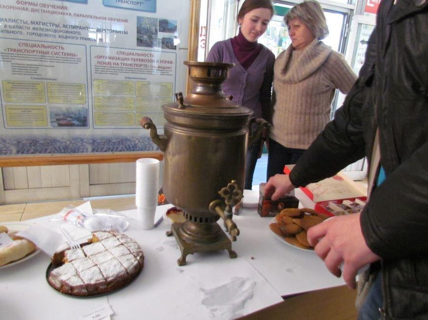 Студенты ПГТУ продавали торты, чтобы помочь мариупольским сиротам (ФОТО), фото-4