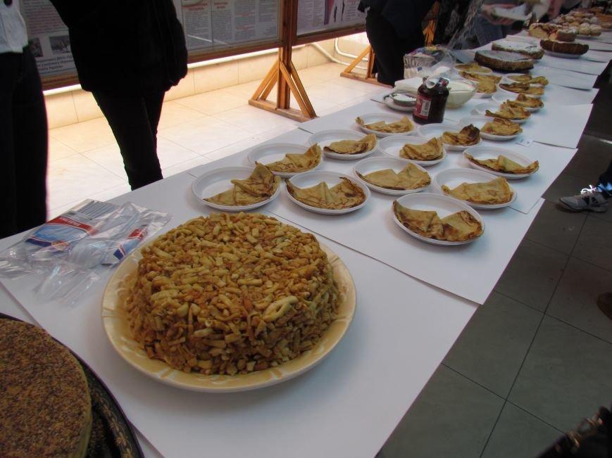 Студенты ПГТУ продавали торты, чтобы помочь мариупольским сиротам (ФОТО), фото-3