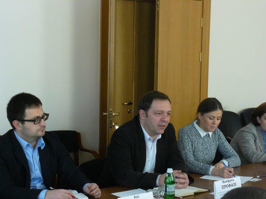 На Днепропетровщине помощь переселенцам предоставит Международная организация (фото) - фото 1