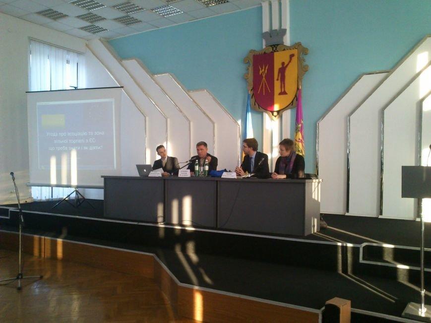 В Днепродзержинске прошла встреча с членом Представительства ЕС в Украине, фото-1