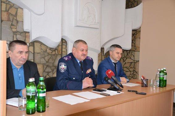 Через «Ніч Гніву», львівські міліціонери працюють у холодних підвалах (ФОТО) (фото) - фото 3