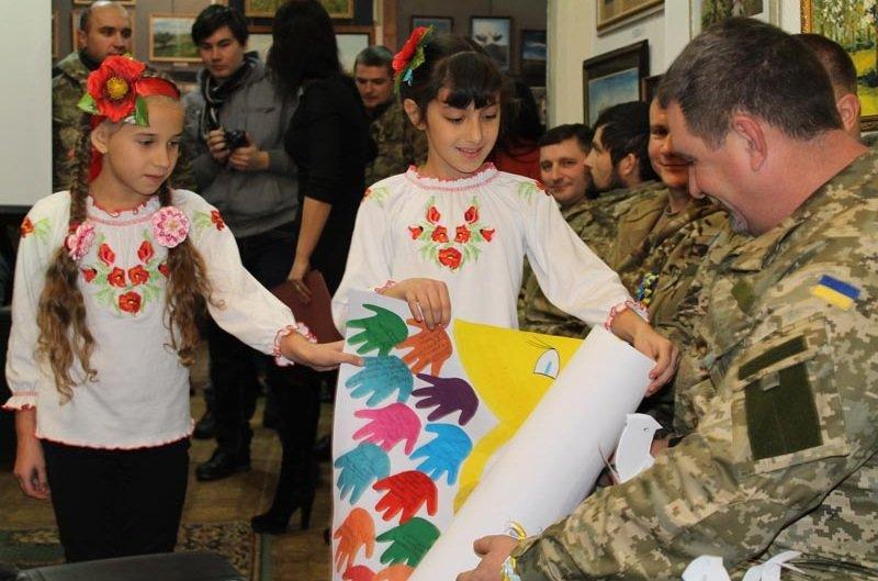 Встреча школьников города с представителями военных подразделений (фото) - фото 1