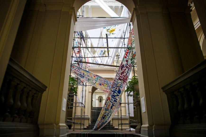 У львівському музеї експонується виставка загиблого в АТО фотокореспондента Віктора Гурняка (ФОТО), фото-2