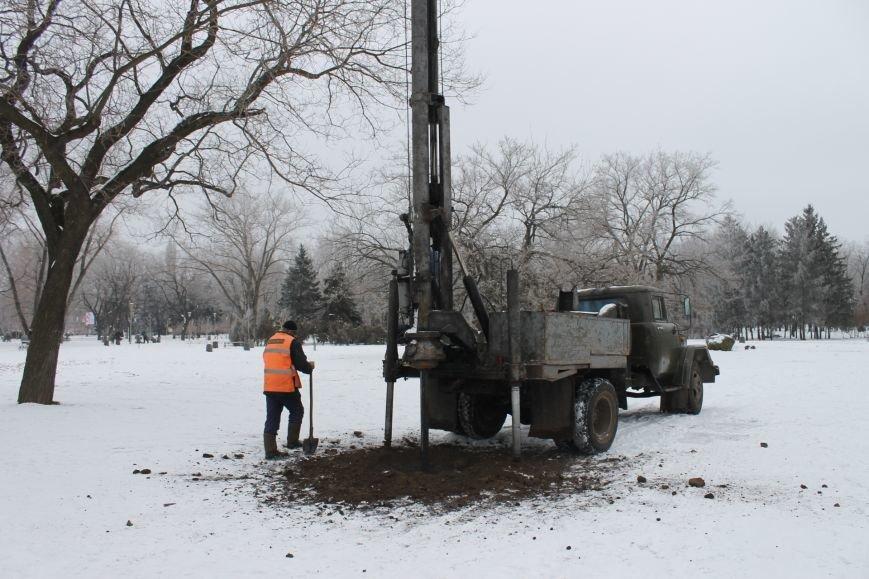 Конструкции  «ёлочного городка»  устанавливают на новом месте (ФОТО), фото-5