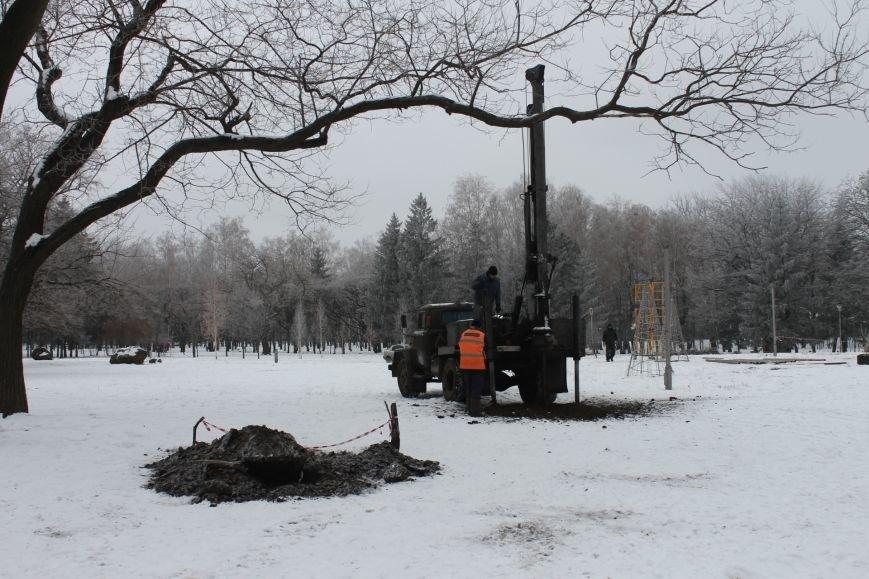 Конструкции  «ёлочного городка»  устанавливают на новом месте (ФОТО), фото-4