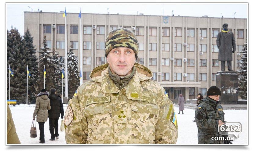 В Славянске на центральной площади устроили концерт для военных (фото) - фото 9
