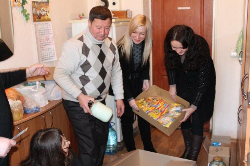 Дорожники Кіровоградщини зібрали для бійців АТО «гостинці» (фото), фото-2