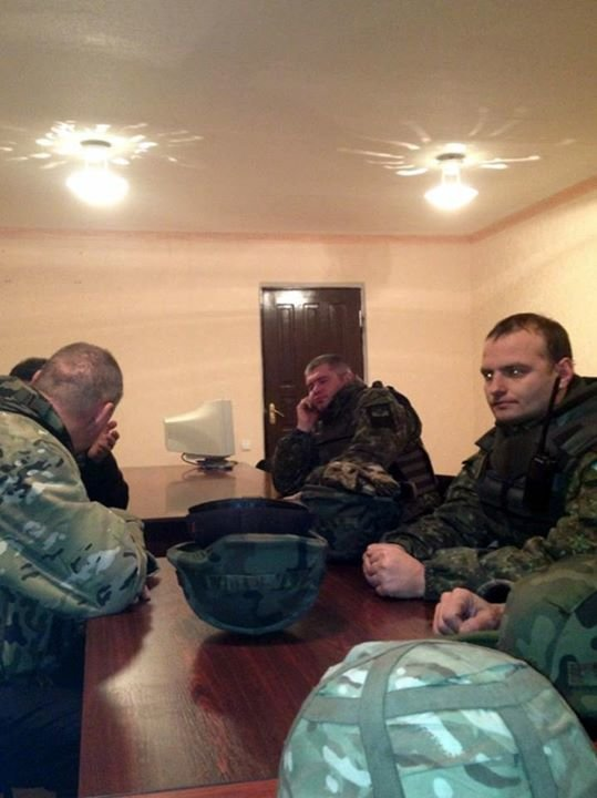 В Авдеевке снаряд попал в городское отделение милиции (фото) - фото 2