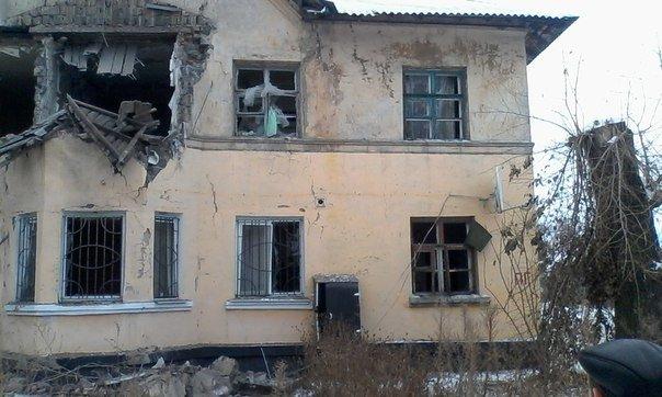 В сети появились фото последствий обстрела горловской Бессарабки (фото) - фото 1
