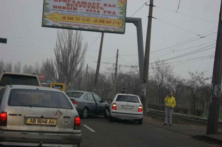 На одесской Лузановке авария на аварии (ФОТО) (фото) - фото 1