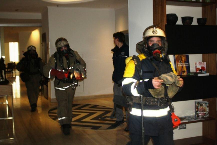 ФОТОРЕПОРТАЖ: В Запорожье состоялись пожарные учения в отеле «Шератон», фото-5
