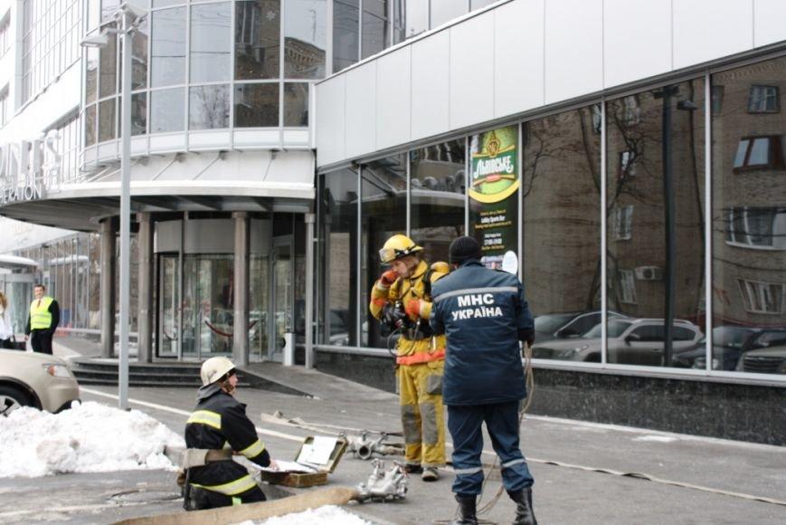 ФОТОРЕПОРТАЖ: В Запорожье состоялись пожарные учения в отеле «Шератон», фото-10