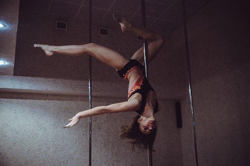 В Белгороде прошёл ежегодный отчётник школы шестовой акробатики, фото-7