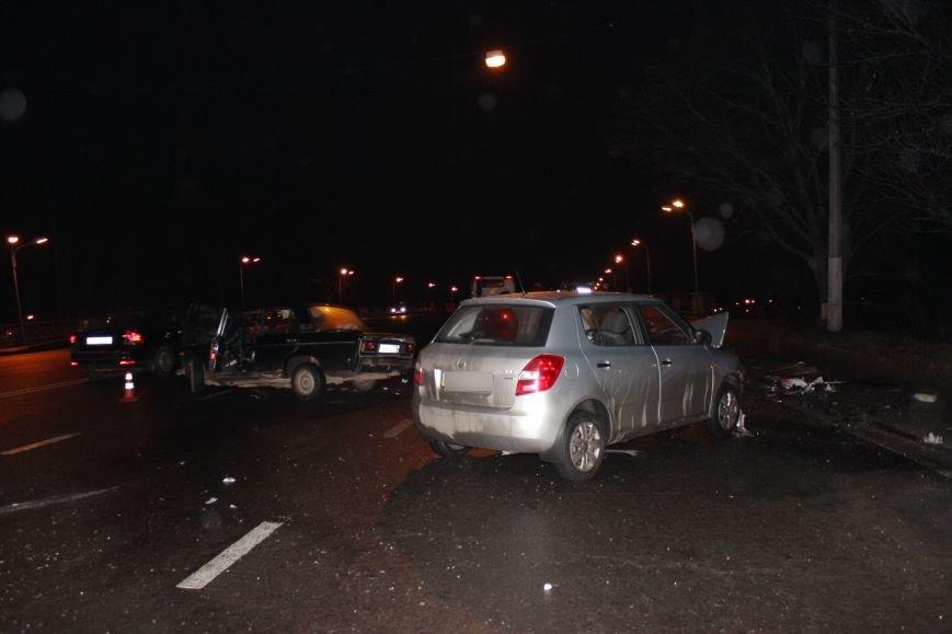У Львові не розминулись «Skoda» та «Жигулі» : п'ятеро людей опинились у лікарні, від автівок нічого не залишилось (ФОТОРЕПОРТАЖ) (фото) - фото 5