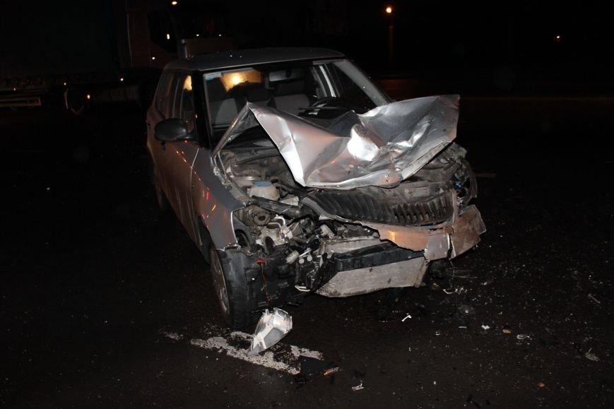 У Львові не розминулись «Skoda» та «Жигулі» : п'ятеро людей опинились у лікарні, від автівок нічого не залишилось (ФОТОРЕПОРТАЖ) (фото) - фото 4