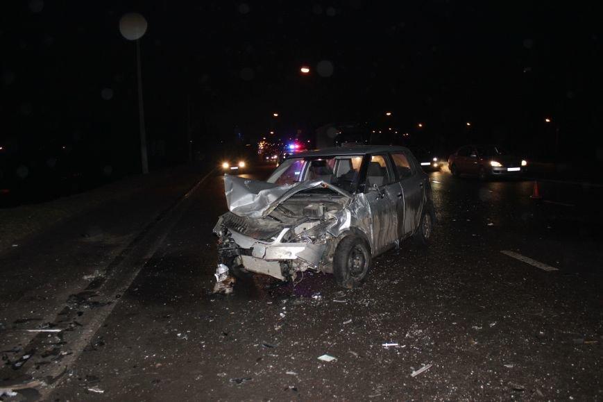 У Львові не розминулись «Skoda» та «Жигулі» : п'ятеро людей опинились у лікарні, від автівок нічого не залишилось (ФОТОРЕПОРТАЖ) (фото) - фото 3