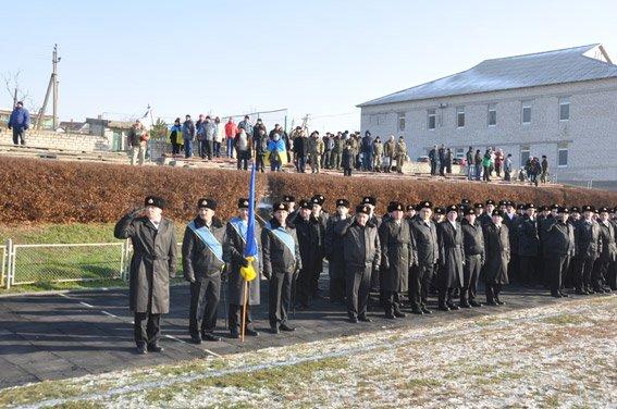 Николаевские правоохранители с военнослужащими собрали на футбольном матче деньги для бойца, спасшего товарищей в зоне АТО (ФОТО) (фото) - фото 3