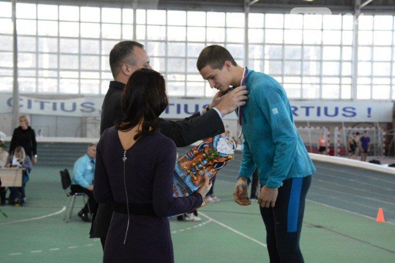 В Волгограде прошел всероссийский турнир по легкой атлетике на призы олимпийской чемпионки Елены Слесаренко (фото) - фото 2
