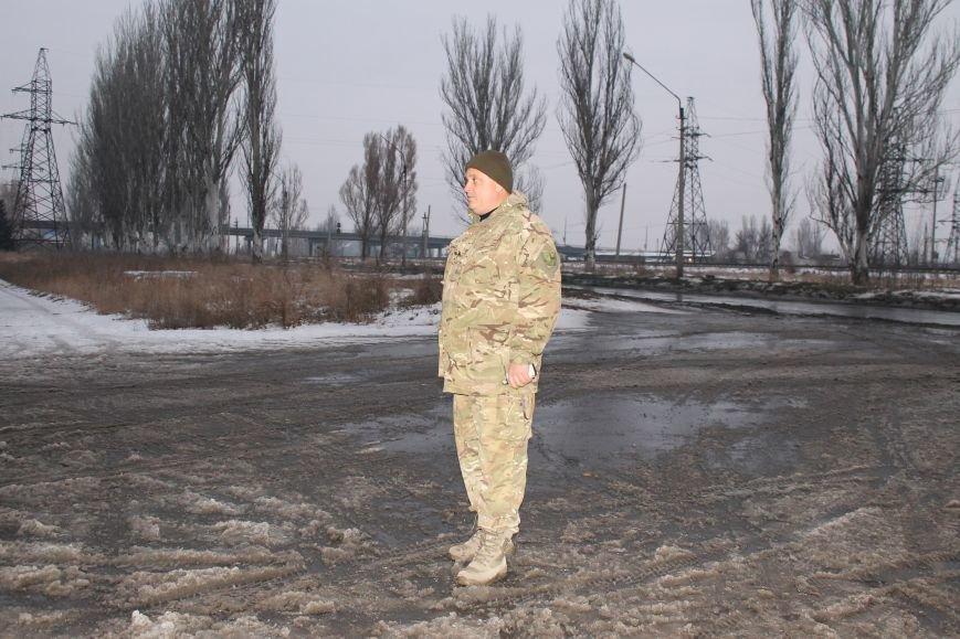 Военные совместно с милиционерами патрулируют Красноармейск (фото) - фото 2