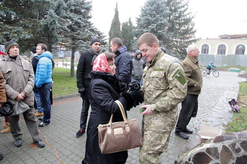 Львів'яни разом із росіянами зібрали гроші на всюдиходи до АТО (ФОТОРЕПОРТАЖ) (фото) - фото 3