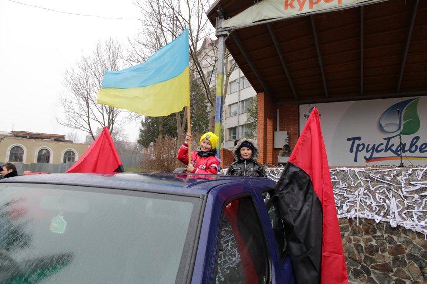 Львів'яни разом із росіянами зібрали гроші на всюдиходи до АТО (ФОТОРЕПОРТАЖ) (фото) - фото 15