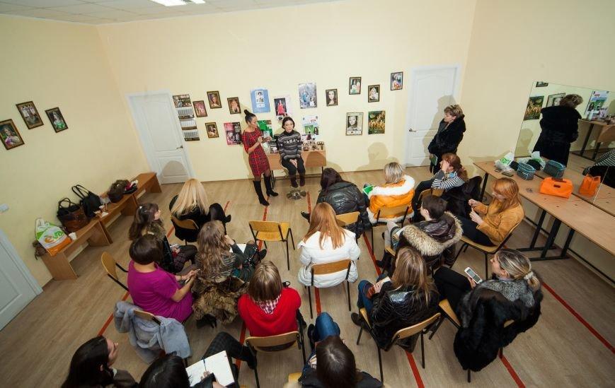 """Совсем недавно в Мариуполе прошел мастер-класс по визажу и стилю """"Сам себе визажист"""", фото-6"""