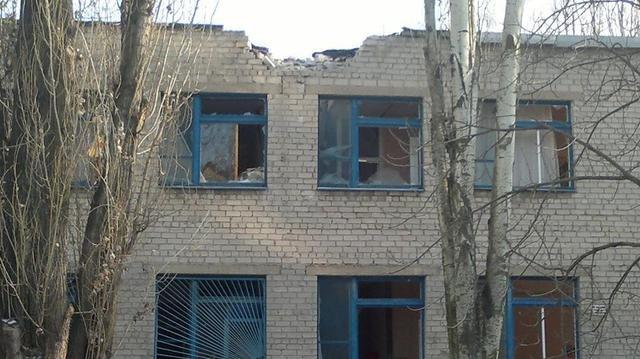 В Авдеевке в результате вчерашних обстрелов убиты два человека - уточняет ГУ МВД в Донецкой области (фото) - фото 2