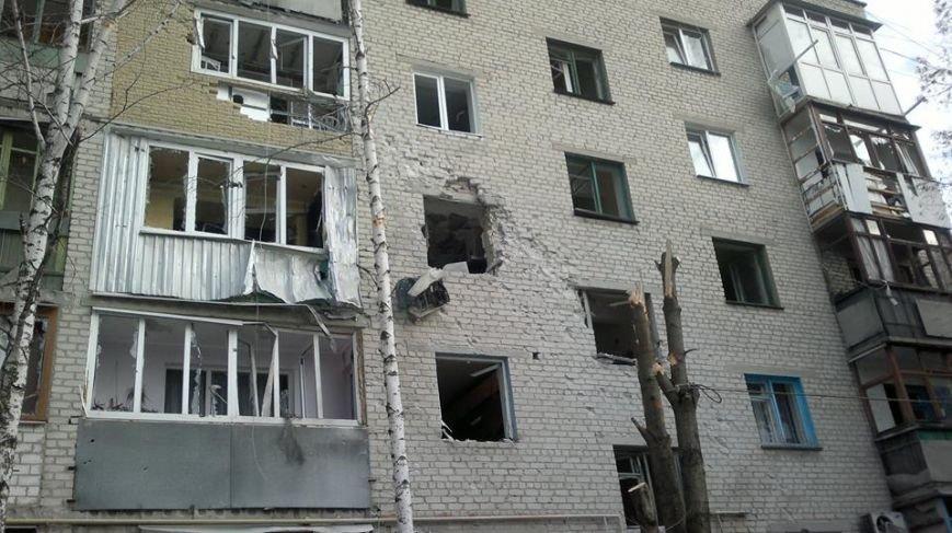 За сутки в Авдеевке 2 человека убиты, 13 получили ранения (фото) - фото 1