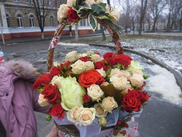 Николаевские активисты поддержали учительницу, чье имя на «слуху» у телеканалов РФ (фото) - фото 2