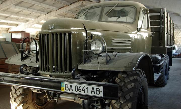 Кировоградец подарил военным грузовик (фото) - фото 1