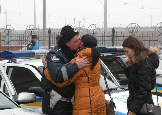 Николаевские ГАИшники вернулись из зону АТО с другом, которому спасли жизнь (ФОТО) (фото) - фото 5