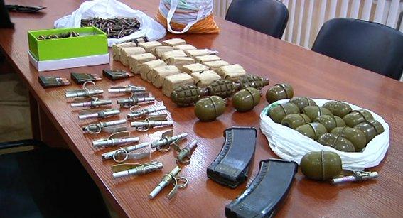 Военнослужащий из Кривого Рога пытался продать боевые гранаты из зоны АТО (ФОТО, ВИДЕО) (фото) - фото 1