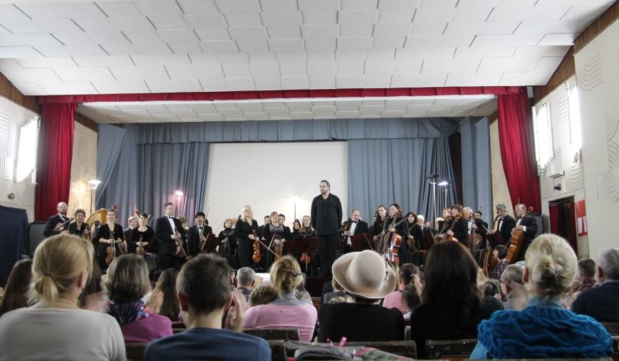«Русским духом вышиты века» - Академический симфонический оркестр с успехом продолжает абонементные концерты в Ялте. (фото) - фото 1